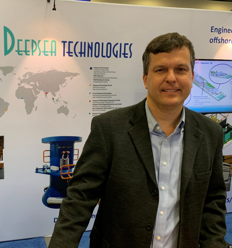 Deepsea Felipe Pic at Trade Show-2