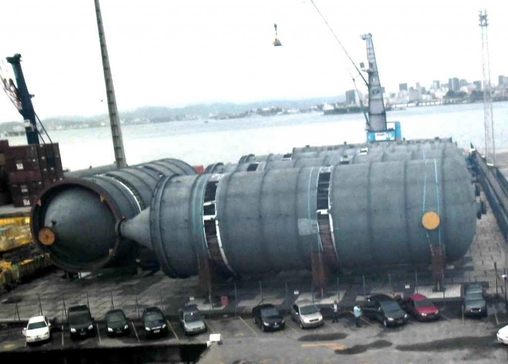 Reatores importados para o Comperj, estocados no Porto do Rio