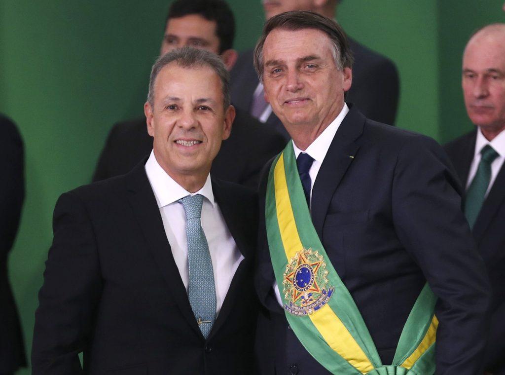 Presidente Jair Bolsonaro dá posse a Bento Albuquerque Junior para o ministério de Minas e Energia