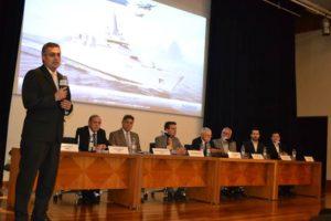 Representantes do consórcio Damen Saab em reunião com empresários brasileiros na Abimaq