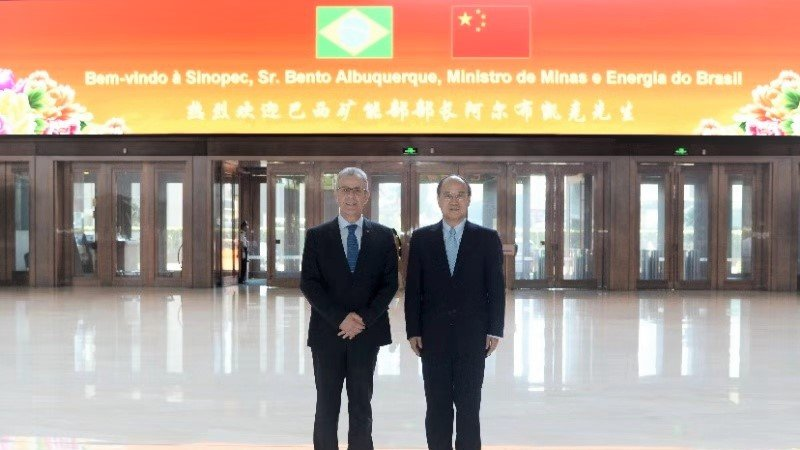 Albuquerque com o presidente da Sinopec, Dai Houliang