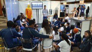 Estudantes de Santos visitaram a INAC