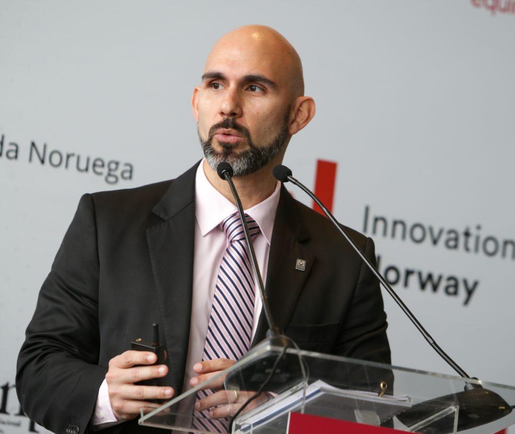 Raphael Moura