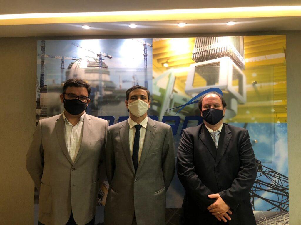 Da esquerda para a direita, André Salgado, Embaixador Carlos Duarte, e Celso Cunha na visita  a ABDAN