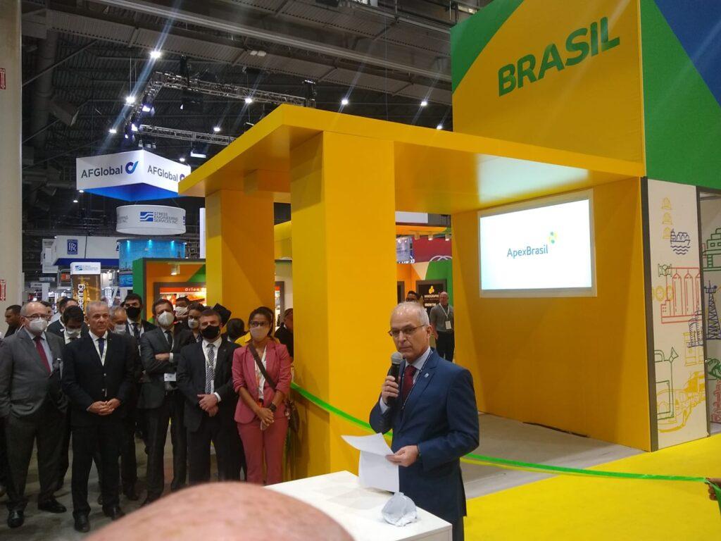 Diretor Saboia inuguração do pavilhão Brasil
