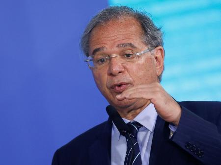 2set2021---o-ministro-da-economia-paulo-guedes-em-cerimonia-no-palacio-do-planalto-em-brasilia-1631749829193_v2_450x337